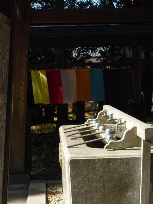 2014-11-20-paper-shrine-bullet-train-034