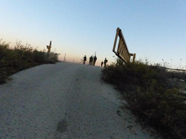 approach-to-separation-fence-near-jenin