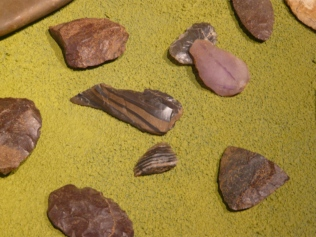 paleoindian-tools-and-flakes-thunder-bay-museum